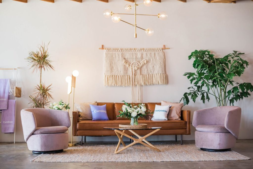 Fabric hangings are never outdated​